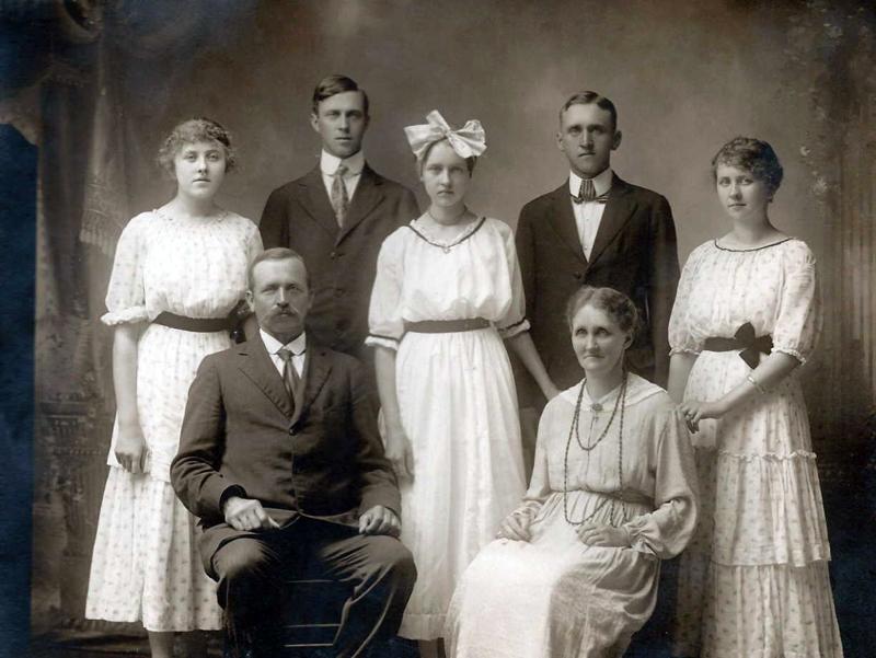 Anders Martinsen Thorsbakken med familj